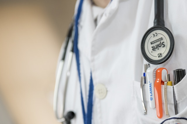 When Should You See a Doctor for Signs and Symptoms of Mesothelioma